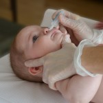 Fisioterapia Respiratoria-lavado nasal bebé